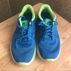 Nike Women's Sneaker Sz 6.5